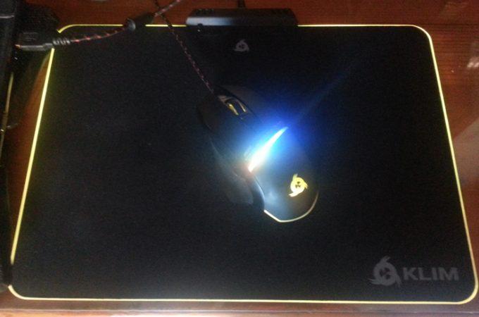 KLIM Mousepad RGB Chroma in funzione