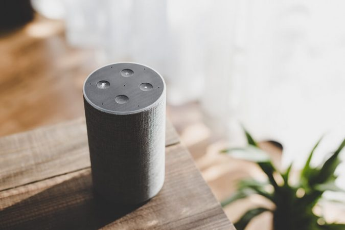 Recensione Amazon Echo: Alexa sfida l'assistente di Google