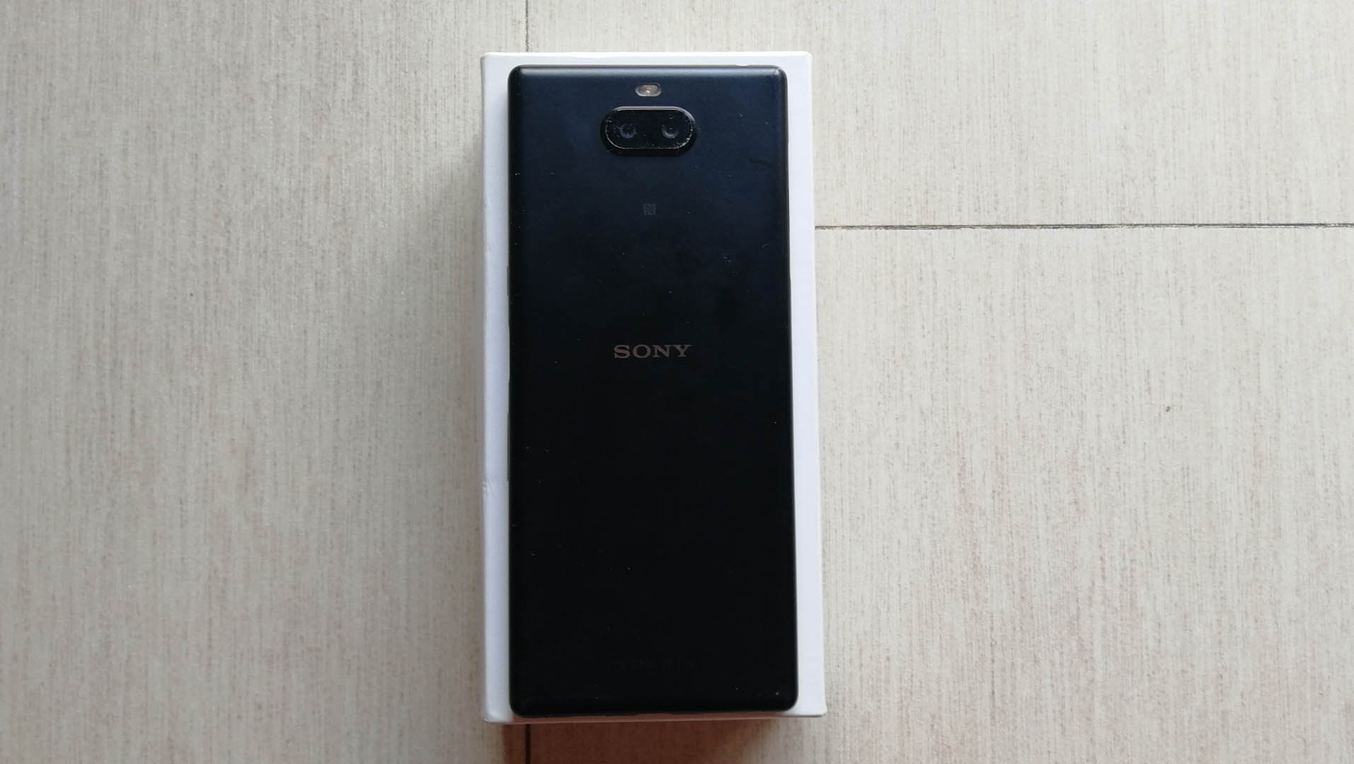Sony Xperia 10 Plus retro