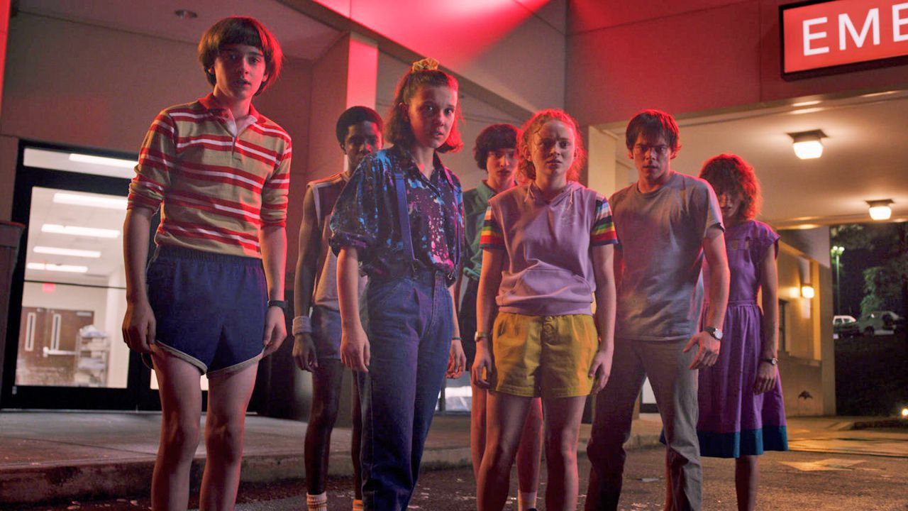 Stranger Things 3: il gruppo a Starcourt