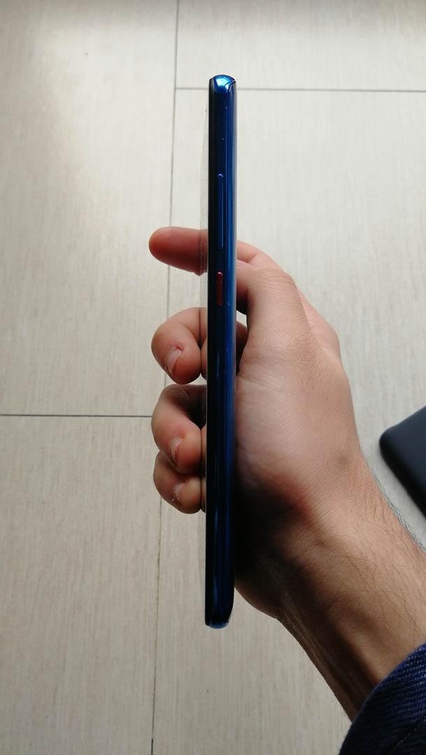 Xiaomi Mi 9T: fotocamera popup e sensore di impronte sotto il display | Recensione 9