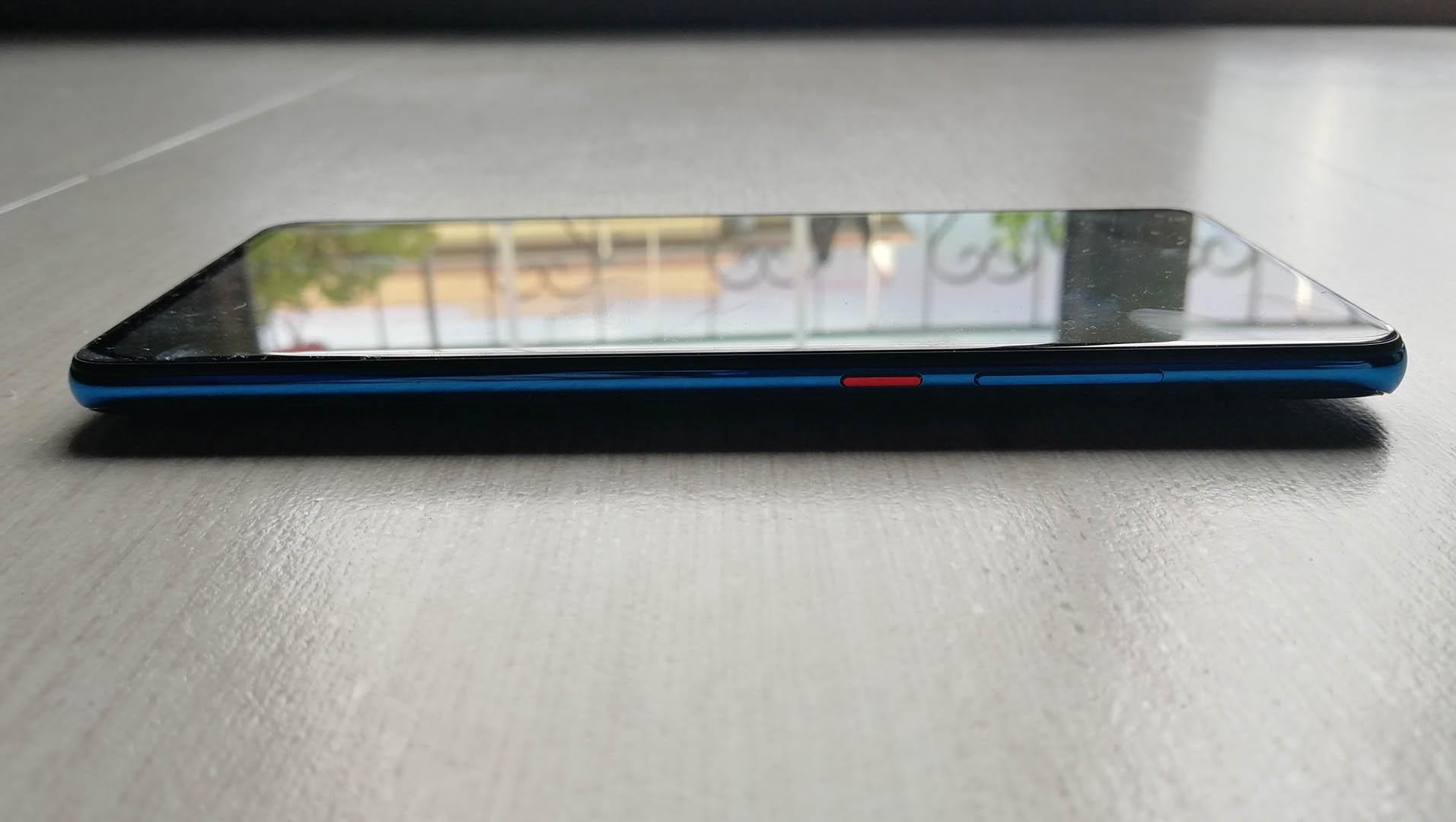 Xiaomi Mi 9T: fotocamera popup e sensore di impronte sotto il display | Recensione 2